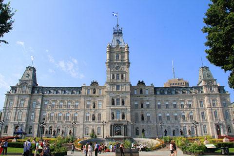 WEB-Quebec-Parliament